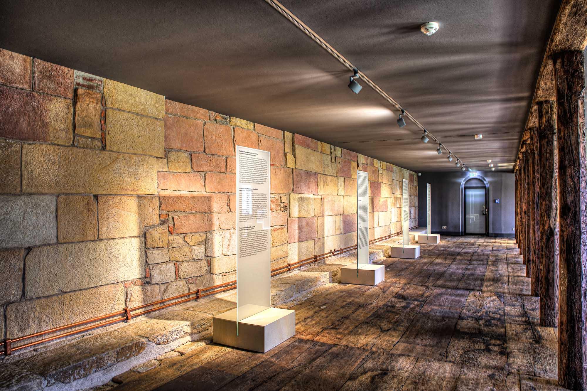 Verklaring van het Bentheimer zandsteen in het museum