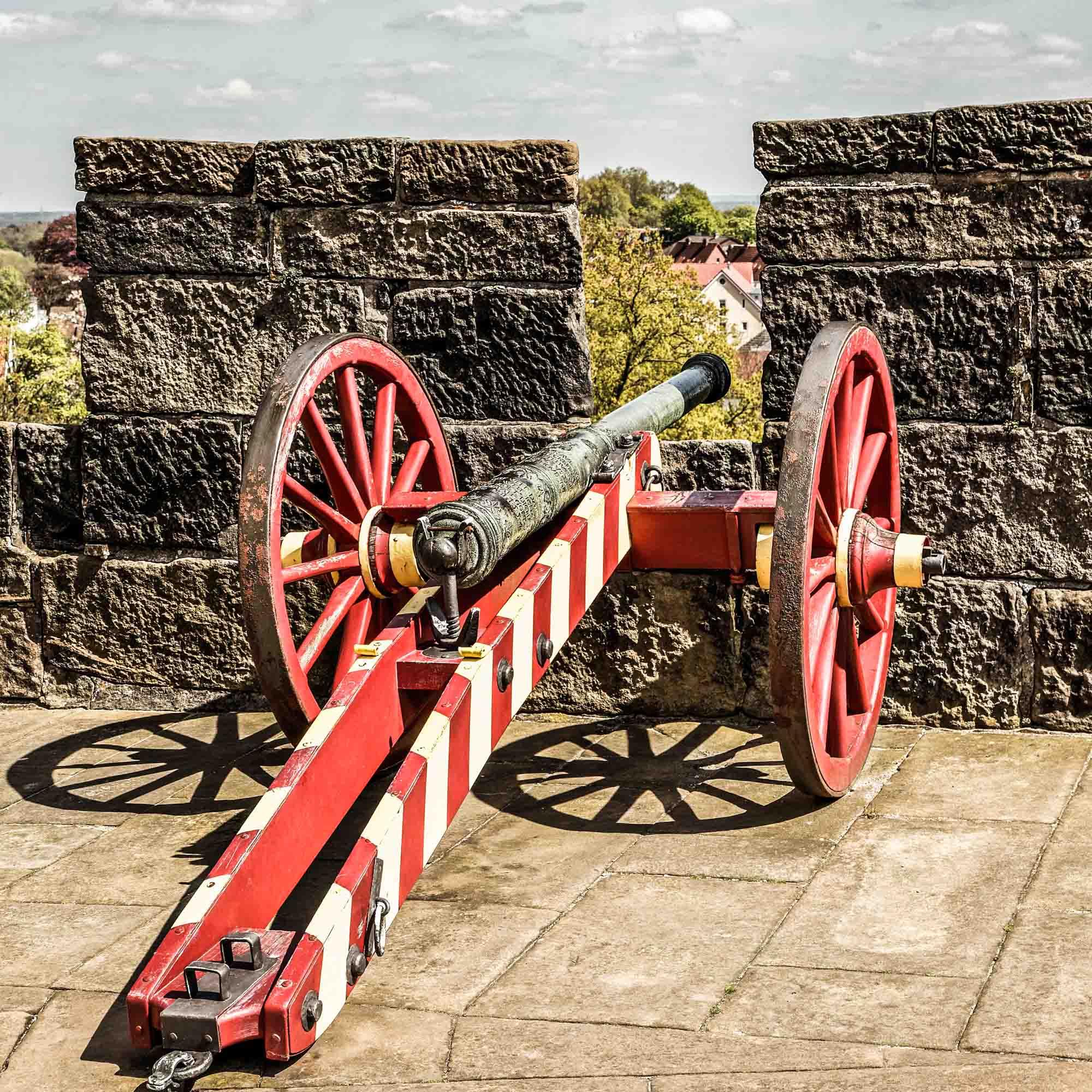 Kanonnen op de muur van de Burcht ©Andreas Richter